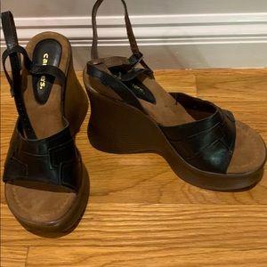 Retro platform ankle strap sandal size 9 worn once